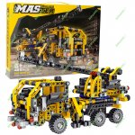 Crane Truck Building Kit - 465 pieces